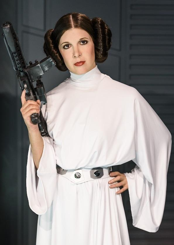 How to Make a Princess Leia Costume for Adults