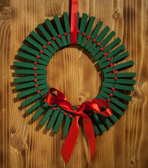 Wall Decor From Waste Materials : How to make your own decorations for christmas with waste
