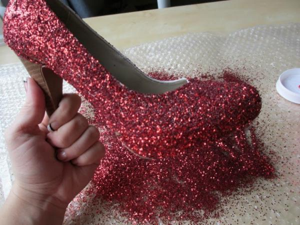 Como customizar sapatos - Customizar sapatos com Glitter